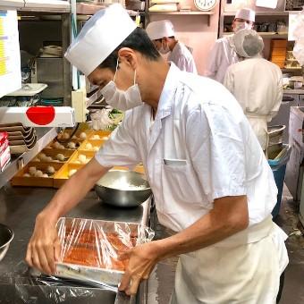 仕込みをしっかりしておく事で美味しいものをスムーズにお客様にお出しできます!
