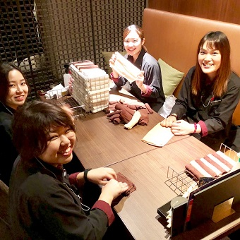 時給1200円♪ビックエコーを30%offで利用可能♪ディナー勤務のみ◎品川駅近くの居酒屋ホール☆