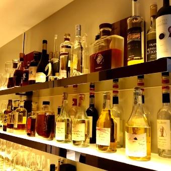 特別な日に、特別なお酒のご用意も!インテリアのように美しく並んでいます◎