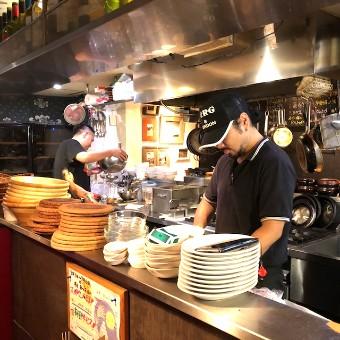【キッチン】自由が丘の隠れ家スペインバルのキッチンスタッフ!リニューアル計画中!昇給あり