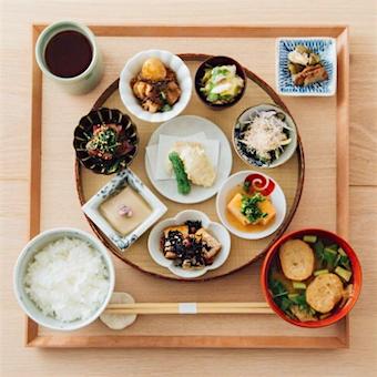 日本の各地から集めたライフスタイルショップで接客!お米や和食が好きな人にオススメ!
