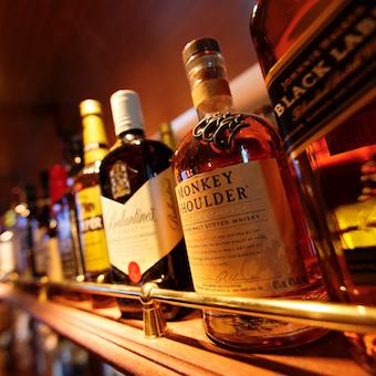 ビール10種以上・ウイスキー15種以上・カクテル50種以上を扱うアイリッシュパブのバーテンダー☆