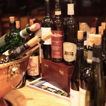 ソムリエ資格の持つ社員さんからワインのことを詳しく学べます!