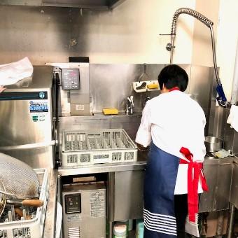 料理も器も空間もこだわる♪グルメサイトで高評価の本格広東料理店の洗い場☆働く環境も好評判♪