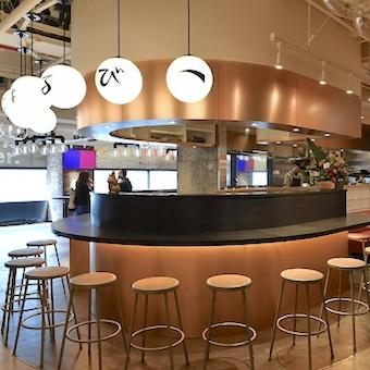 渋谷109でプチ留学経験◎日本に留学中の外国人に大人気の餃子と唐揚げの専門店で接客バイト♪