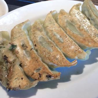 気分はまるで外国!?外国人に大人気の餃子と唐揚げの専門店「the ぎょるびー」でキッチンバイト♪