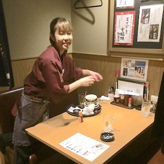 高円寺の地元密着型のアットホーム居酒屋でホールスタッフ♪今なら短期のバイトもOK!!