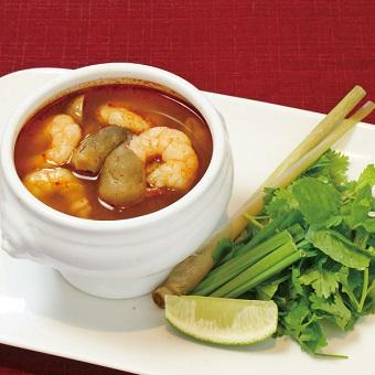 トムヤムクンなどの代表的な料理から、ローカルフードまで幅広いメニュー