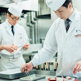 老舗会席ふぐ料理店で調理のバイト◎職人の技を身につけよう♪「ふぐ料理公許第一号」のお店☆