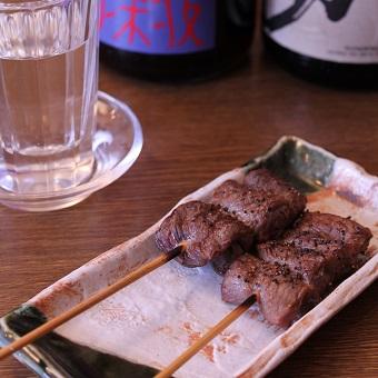 居酒屋メニューも弁慶流。おいしく食べてもらうのは先々代から続く日々の積み重ねがあってこそ。