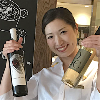ソムリエもソムリエ希望者も歓迎!800種類以上のワインにも触れられるイタリアンで接客♪