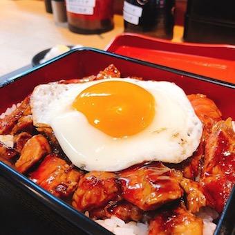 お重で食べるステーキ!新しい日本のソウルフードの完成です!!
