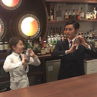 オープニングスタッフ♪♪人気Barの新業態でバーテンダー◎カクテルもこだわりコーヒーも学べます!