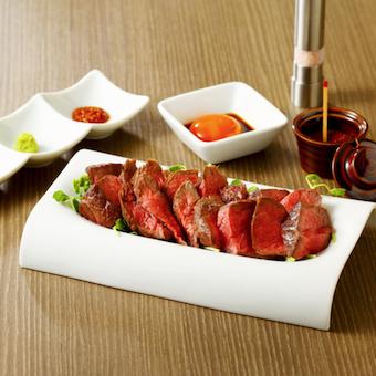 赤身肉を専門とした焼肉はグルメサイトでも人気!