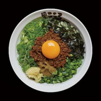 東京を中心に全国で大ブームを巻き起こし、カップ麺にもなっている「台湾まぜそば」が名物!