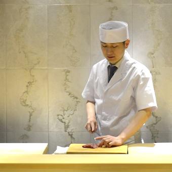 2か月目からは時給1500円。看板のない高級懐石料理店◎一流の和食の技をマンツーマンで学ぶ!