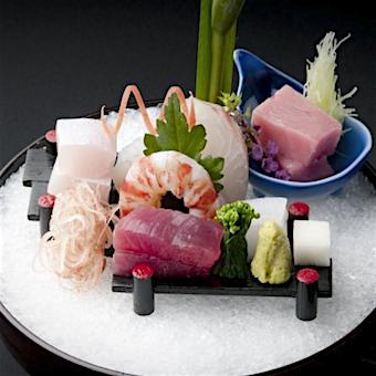 料理はコースのみ。配膳時にお料理の説明をするので日本料理に詳しくなれます