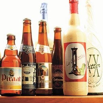 ベルギー直輸入のビール100種類以上!!学べる楽しさがアルバイトです。