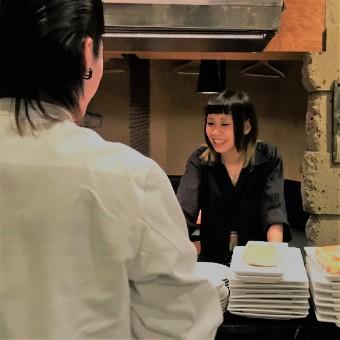 新宿アルタ裏の隠れ家イタリアンバルで、ホール募集♪髪型自由、平日だけでも可♪嬉しいまかない無料★