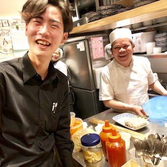 ボーナスはタイ旅行?!まかないは本格エスニック料理♪アジアン好きな人、集まれ〜!!