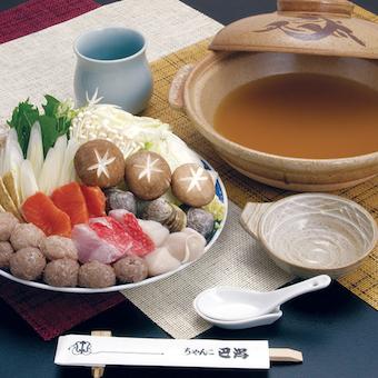 ちゃんこ鍋は4種類。巴潟ちゃんこは味噌味で提供します!