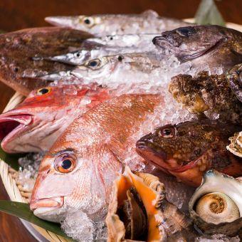 オーナーに学ぶ魚のさばき方と和食料理たち。地域密着の和食店でキッチンのアルバイト♪