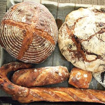 人気店でパン製造をしませんか!新商品開発にも携われますよ♪