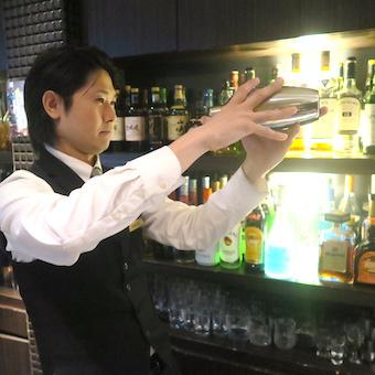 自家製インフージョンカクテル・フルーツカクテルがしっかり学べる♪新宿でバーテンダー◎独立希望も歓迎!
