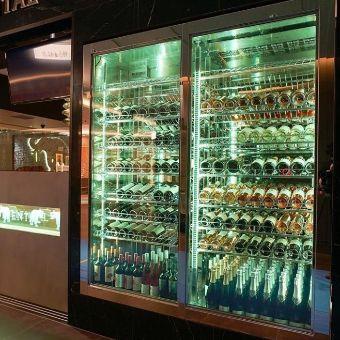 ワインのラインナップも充実。タイ料理とワインのマリアージュも提案。