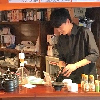 まかないはラム肉♪小さなラムしゃぶ店でアットホームなホールバイト☆週4〜のフリーター歓迎♪