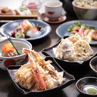 個室中心の落ち着いた雰囲気の和食店!豪華まかないがあり!ネイル茶髪OKの天ぷら店でホールバイト!