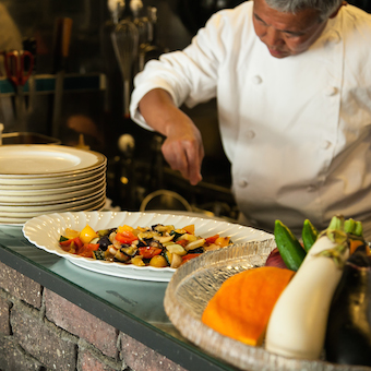 一流のフレンチを直に学べるキッチン☆今までの経験を生かして働ける三軒茶屋の老舗の洋食店♪