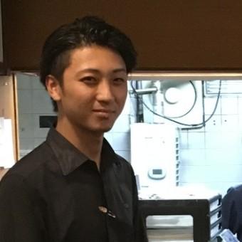 東銀座駅30秒。サクサク衣にジューシーなとんかつ屋で、調理のお仕事。まかないは最高2食付き。