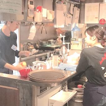 【オープニング】五反田に新しくオープンする商業ビル内の焼き鳥屋さんで接客♪新しい店舗&仲間と働こう!