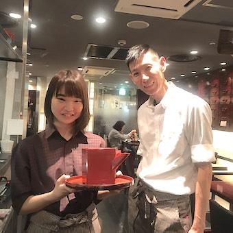 東京駅直結のキッチンストリート内の蕎麦居酒屋で接客のお仕事♪外国人のお客様も多数!22時退勤も可!