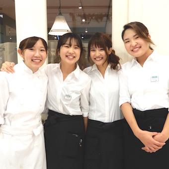 ハンバーグやオムライスなど人気の洋食メニューをご提供◎幅広い世代のお客様を笑顔にするお仕事