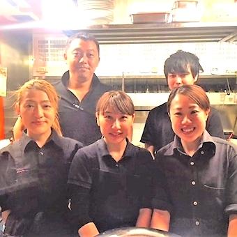 味は辛口、働く環境は甘口!丁寧なスタッフ研修が魅力の人気麻婆豆腐店でホールバイト!