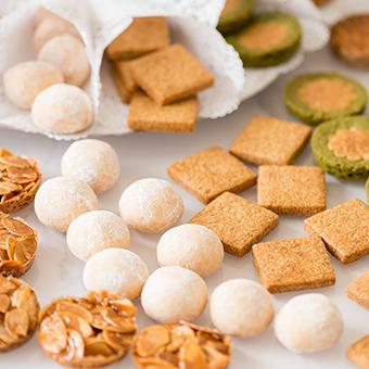 その他にも生菓子や焼き菓子など様々なお菓子を作ります。