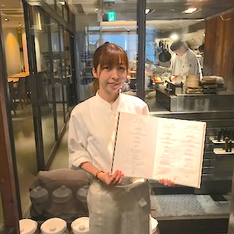 チヂミ☆プルコギ♪コラーゲンたっぷりのこだわり韓国料理がまかないで食べられるホールスタッフ♪