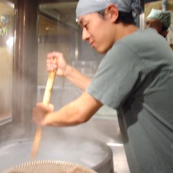 [インセンティブ有あり1ヶ月2万円になる月も!]讃岐うどんと郷土料理を学べるキッチン♪平日のみOK