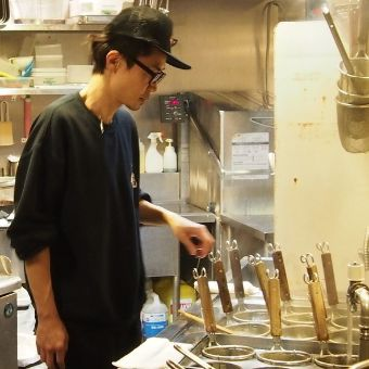オリジナル麺の作成から学べる拉麺ダイニングで調理のお仕事しませんか?全時間帯働けます◎