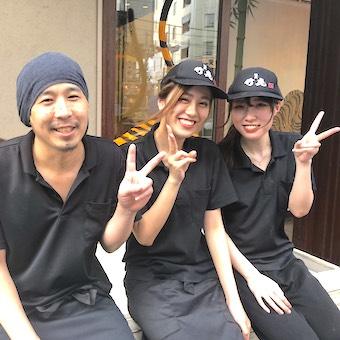 業界に新しい風を巻き起こす拉麺ダイニングでホールのお仕事☆24時間どの時間も働けて、まかない無料♪