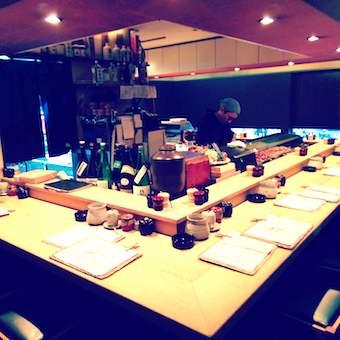 【ミシュランビブグルマン掲載】部位ごとに焼き上げる焼鳥と蔵元から仕入れる日本酒が売りのお店でホール☆