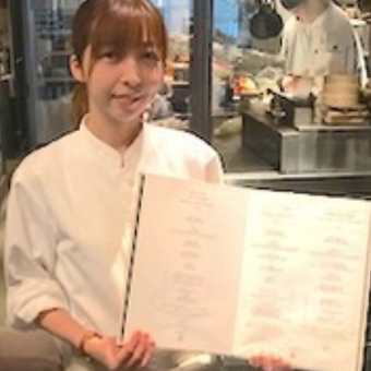 人気のコリアンレストランでライブ感のある接客のお仕事。韓国絶品まかない無料★やる気と元気を求めます