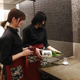 こだわりの日本酒は店長自ら厳選!お酒好きも大歓迎です!