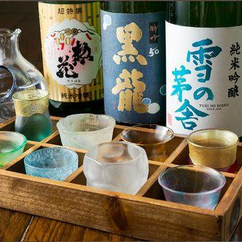 美味しいお酒に趣向を凝らした酒器で、お客様に楽しんでいただきます。