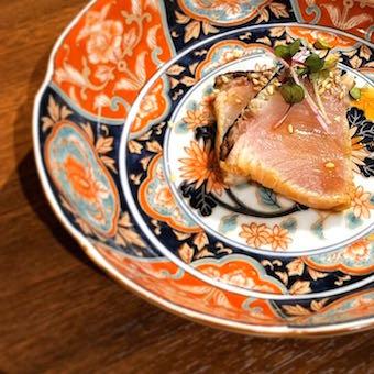 お皿も盛り付けも上品な料理。ワンランク上の調理とおもてなしを身につけよう!