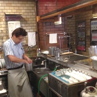 上野のナポリタンマスターへ◎創業40年の純喫茶の味を習得できるキッチン♪