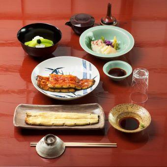 1名限定採用・銀座で100年老舗鰻店◆3日に1日は14時30分の早上がり和食調理のお仕事!日祝休み!