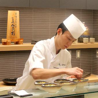 ディナー帯募集!!渋谷の超人気寿司店で調理補助バイト!板前さんの技を間近で体験し学べます!